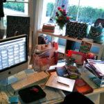 Desktop beim HomeOffice - Kelly Sue DeConnick Desktop 3/10/10 - Flickr - CC BY-SA 2.0